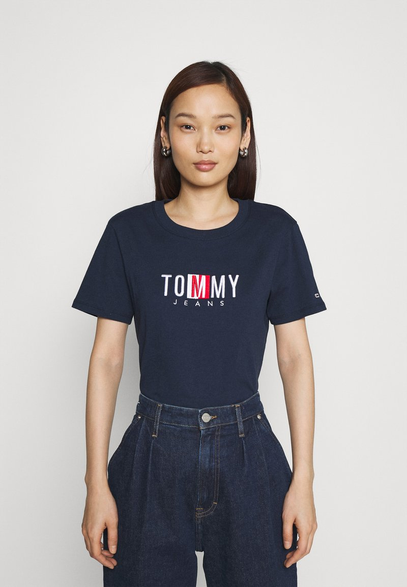 Tommy Jeans - REGULAR TIMELESS BOX TEE - T-shirt con stampa - twilight navy