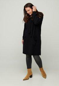 Zizzi - Jumper dress - black - 0