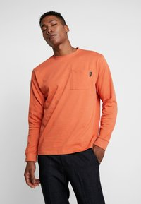 Mennace - ESSENTIAL SIGNATURE POCKET  - Long sleeved top - orange - 0