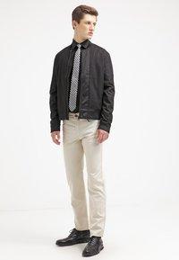 Eton - SLIM FIT - Formální košile - black - 1