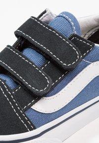 Vans - OLD SKOOL - Sneakers laag - navy - 5