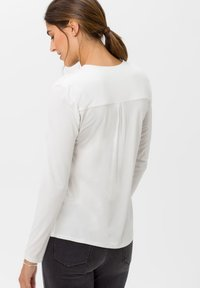 BRAX - STYLE CLARISSA - Long sleeved top - offwhite - 2