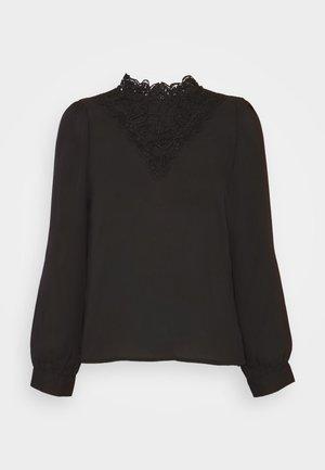 VMNORA LACE TOP PETITE - Blouse - black