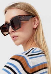 Stradivarius - Sunglasses - brown - 1