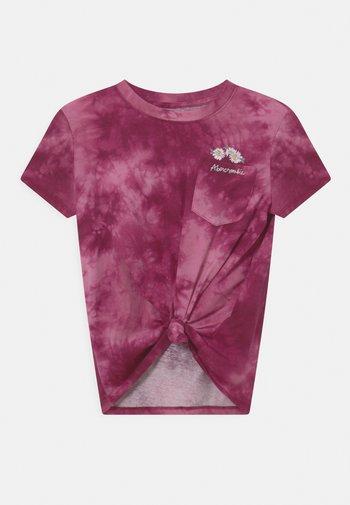 KNOT FRONT POCKET - T-shirts print - purple