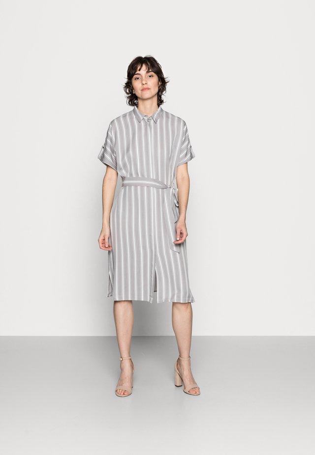 DRESS SHORT - Shirt dress - new grey