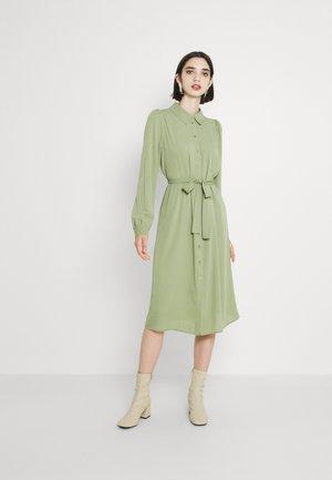 VMVEGA CALF SHIRT DRESS - Srajčna obleka - oil green