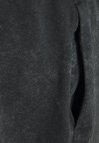 Nike Sportswear - WASH - Shorts - black - 2