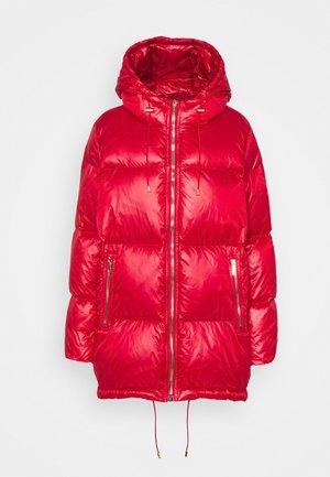 ZIP - Kabát zprachového peří - crimson