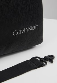 Calvin Klein - DIRECT SLIM LAPTOP BAG - Aktovka - black - 7