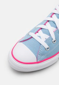 Converse - CHUCK TAYLOR ALL STAR COLOR POPPED - Trainers - sea salt blue/bold pink/white - 5