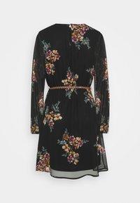 Vero Moda - VMNEWALLIE BELT SHORT DRESS - Vestito estivo - black - 7