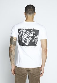 Bioworld - MISFITS  - Print T-shirt - white - 2