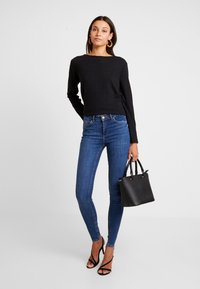Pieces - PCDELLY - Jeans Skinny Fit - medium blue denim - 1
