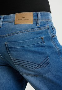 TOM TAILOR - JOSH - Jeansshorts - mid stone wash denim blue - 4