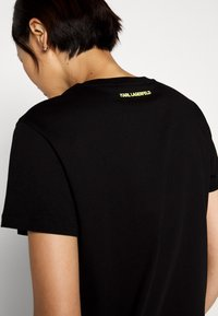 KARL LAGERFELD - ADDRESS LOGO - T-shirt imprimé - black - 5