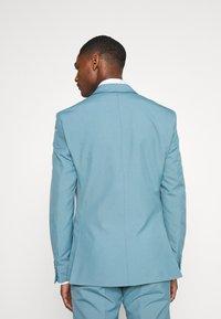 Isaac Dewhirst - PLAIN SUIT SET - Suit - turquoise - 3