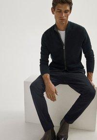Massimo Dutti - Cardigan - evergreen - 6