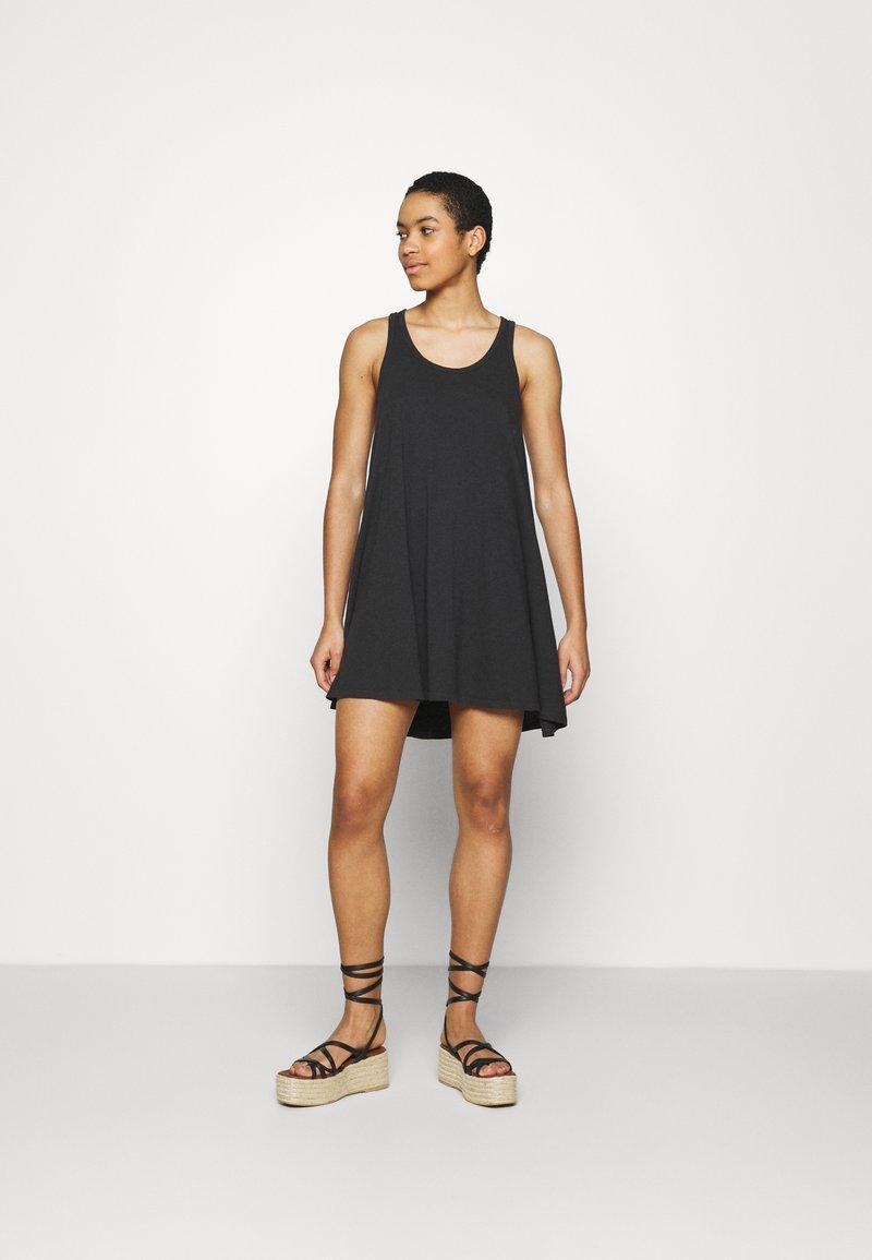 aerie - SWINGY DRESS - Jersey dress - true black