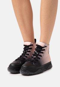 N°21 - TOP BONNIE - High-top trainers - black - 0