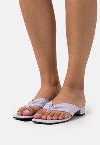 Monki - T-bar sandals - lilac purple/dusty light - 0