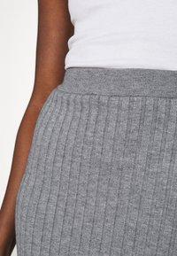 Moss Copenhagen - GWEN RACHELLE SKIRT - Pencil skirt - mottled grey - 4