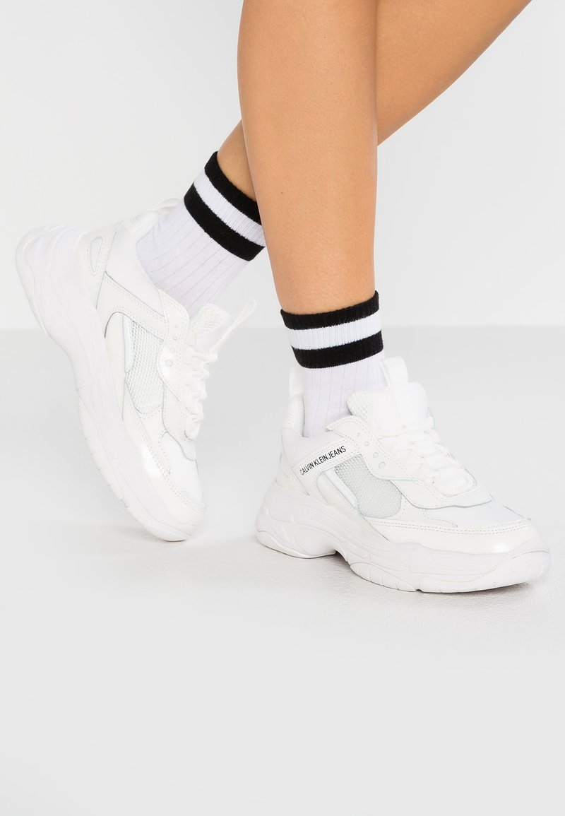 Calvin Klein Jeans - MAYA - Sneakersy niskie - bright white