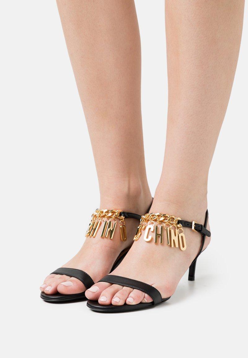 MOSCHINO - Sandals - nero