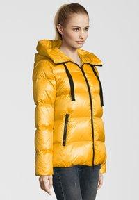 No.1 Como - LINDA - Down jacket - sun - 2