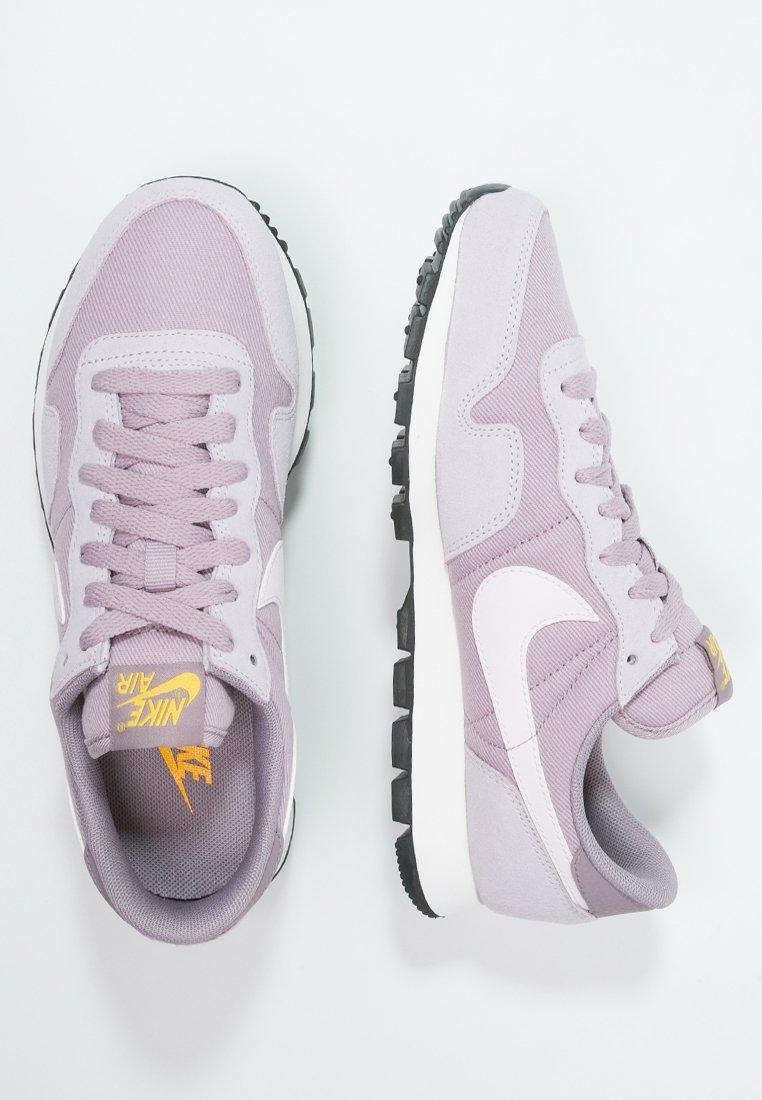 solar Manuscrito radio  Nike Sportswear AIR PEGASUS '83 - Trainers - plum fog/bleached lilac/purple  smoke - Zalando.co.uk