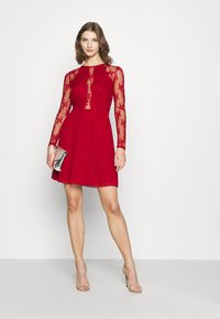 Nly by Nelly - SOMETHING ABOUT HER DRESS - Cocktail dress / Party dress - dark red - 1