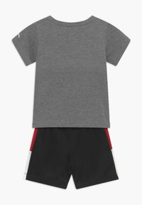 Jordan - FRONT CIRCLE TEE SET - Short de sport - black - 1