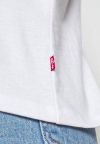 Levi's® - THE PERFECT TEE - T-shirt imprimé - white - 5