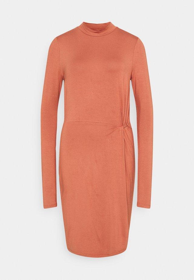 VMNORA SHORT DRESS - Jersey dress - chutney