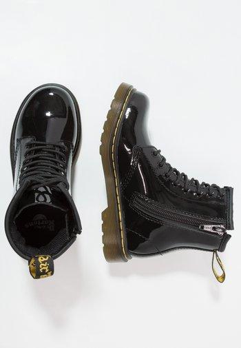 1460 J PATENT - Lace-up ankle boots - schwarz