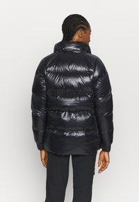 Columbia - NORTHERN GORGE JACKET - Down jacket - black - 3