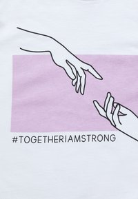 Even&Odd - CHARITY T-SHIRT STRONGER TOGETHER - Print T-shirt - white - 5