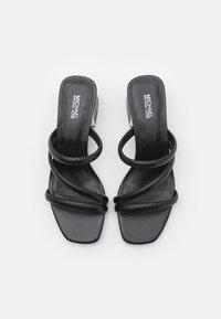 MICHAEL Michael Kors - LANA MULE - Pantofle na podpatku - black - 4