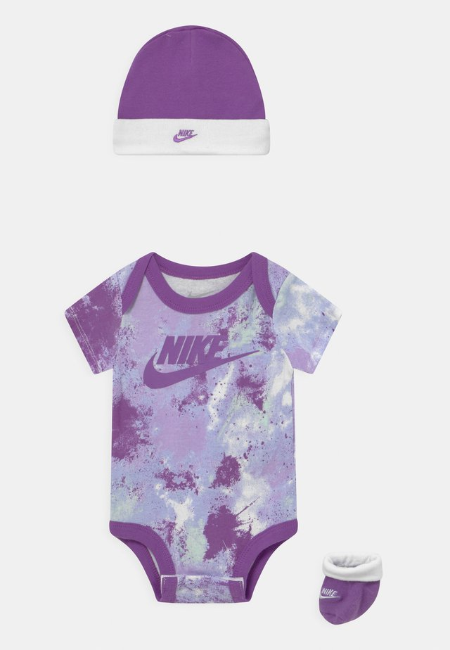 TIE DYE FUTURA SET UNISEX - Triko spotiskem - purple chalk