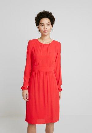 Kjole - lava red