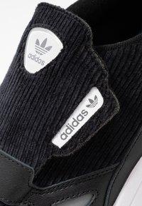 adidas Originals - FALCON RX - Sneakers - core black/glow pink/grey three - 2