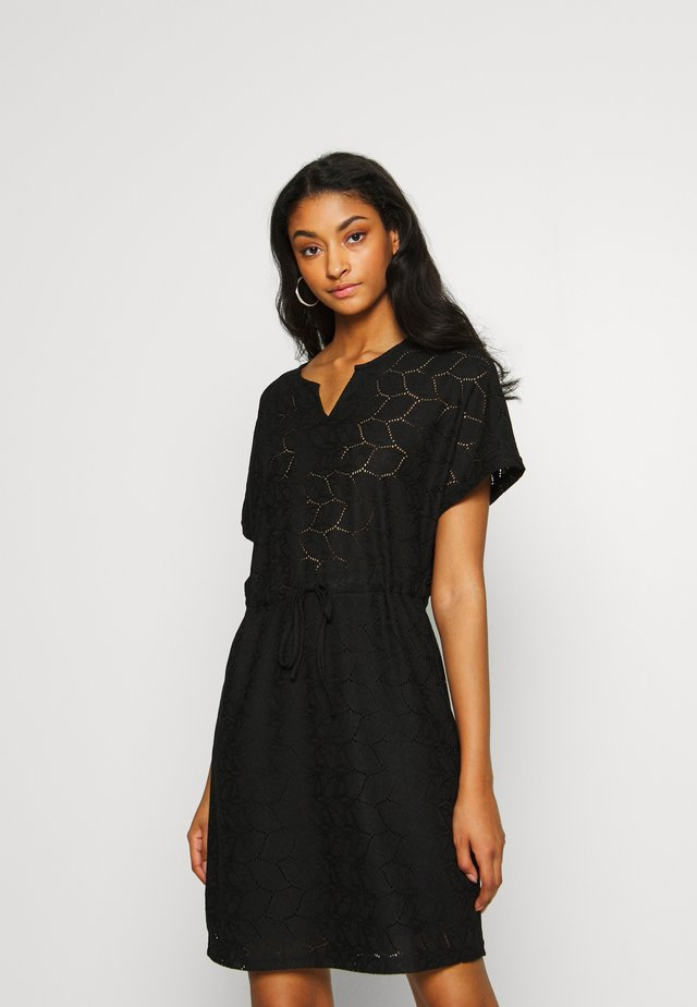 JDYTAG BELT DRESS - Robe pull - black