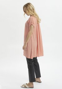 Kaffe - Tunic - coral and chalk small graphic - 1