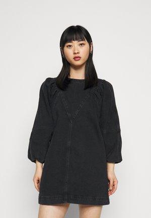 PUFF  DRESS - Denimové šaty - washed black