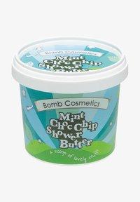 Bomb Cosmetics - MINT CHOC CHIP SHOWER BUTTER REINIGENDE DUSCHBUTTER 365 ML - Cleanser - grün - 0