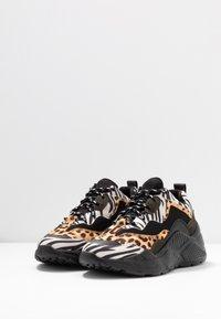 Steve Madden - ANTONIA - Sneakers - olive/multicolor - 4