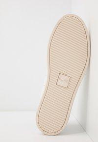 Clae - BRADLEY - Zapatillas - white/comfrey - 4