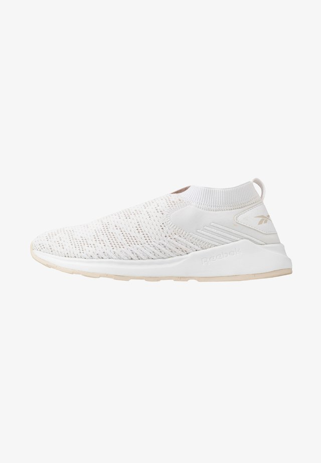 EVER ROAD DMX SLIP ON 2 - Neutral running shoes - white/stucco