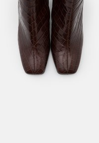 Högl - Classic ankle boots - dark brown - 5