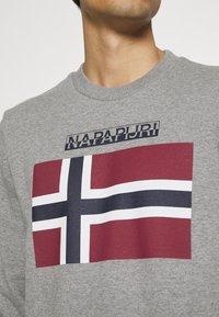 Napapijri - BELLYN - Sweatshirt - med grey melange - 4